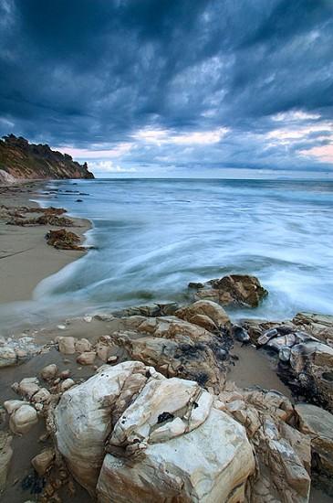 Contoh Foreground Foto Pantai