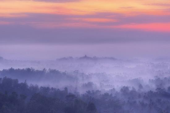 Cara Motret Candi Borobudur Berkabut